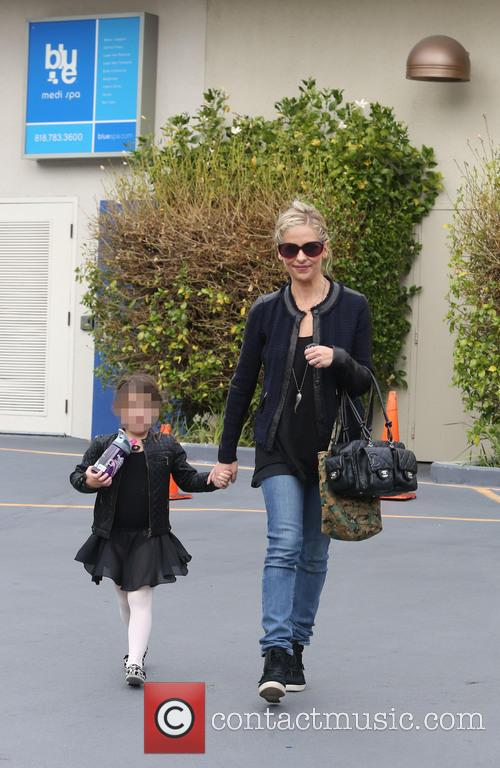 Sarah Michelle Gellar and Charlotte Prinze 12