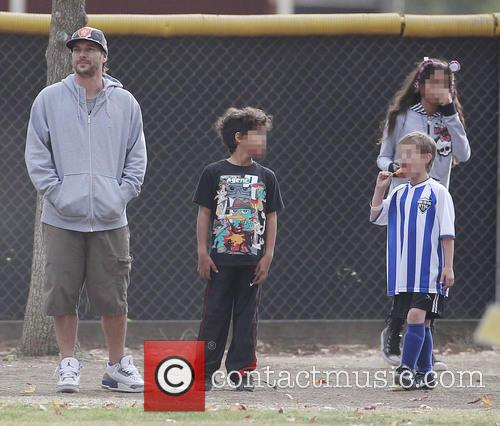 Kevin Federline and Sean Preston 6