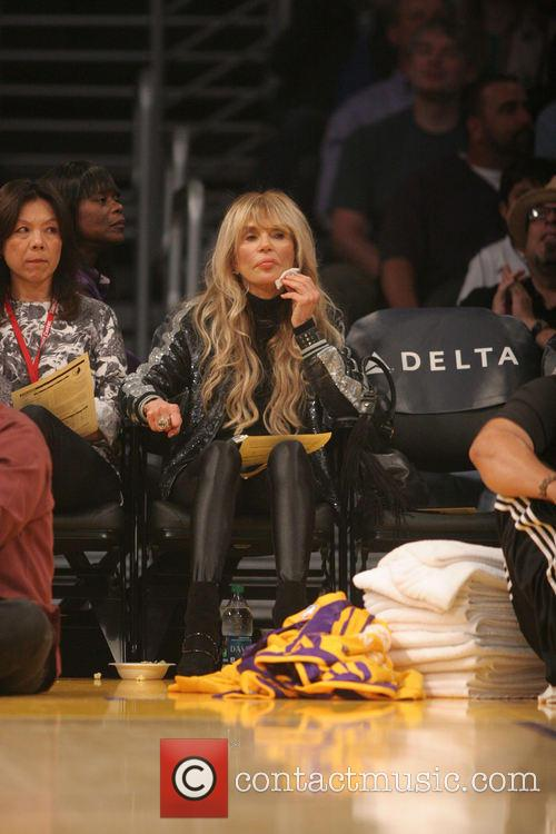 Celebs at the Lakers game.