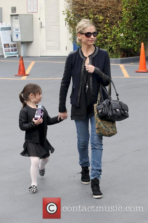 Sarah Michelle Gellar and Charlotte Prinze 17