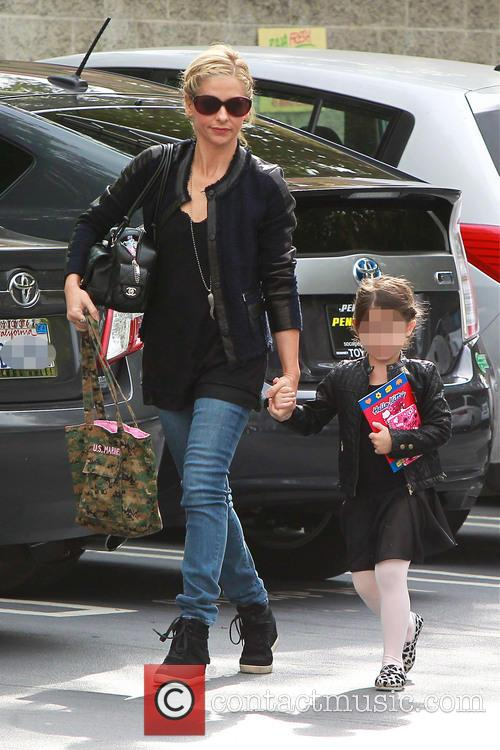 Sarah Michelle Gellar and Charlotte Prinze 2