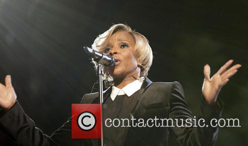 mary j blige the grove tree lighting 3958832