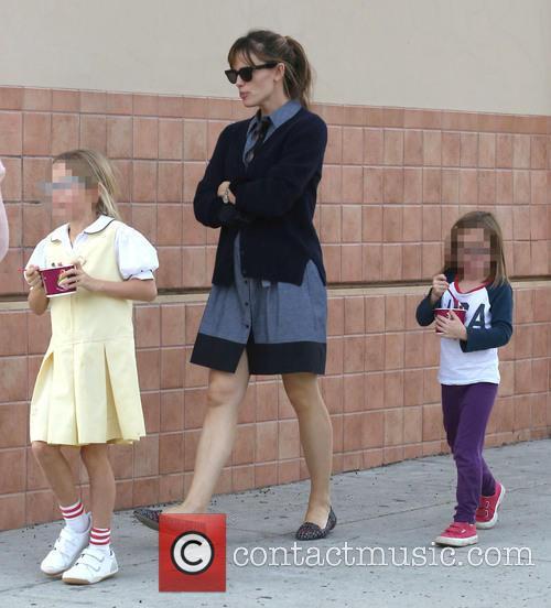 Jennifer Garner, Violet Affleck and Seraphina Affleck 10