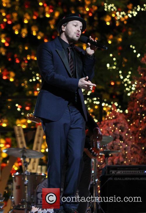 gavin degraw 11th annual christmas tree lighting 3958754