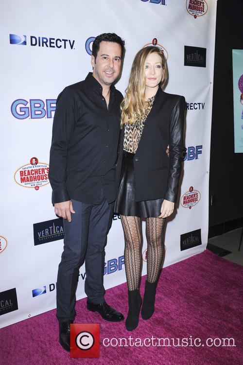 Jonathan Silverman and Jennifer Finnigan 2
