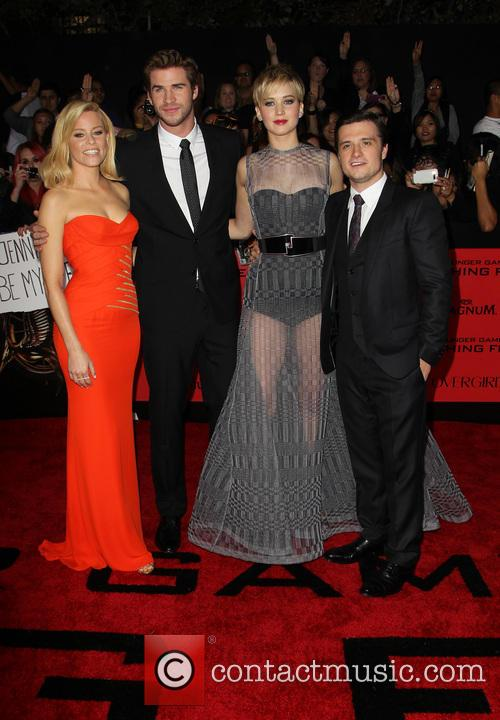 Elizabeth Banks, Liam Hemsworth, Jennifer Lawrence and Josh Hutcherson 10