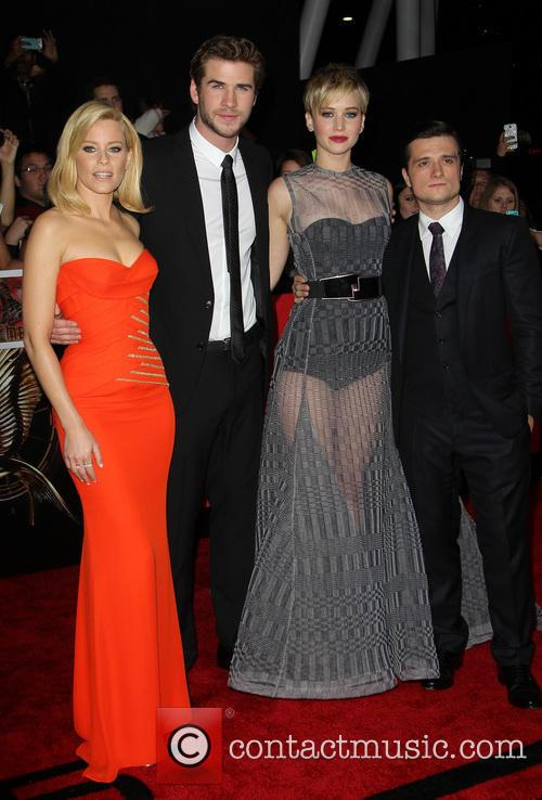 elizabeth banks liam hemsworth jennifer lawrence josh hutcherson the hunger 3960129