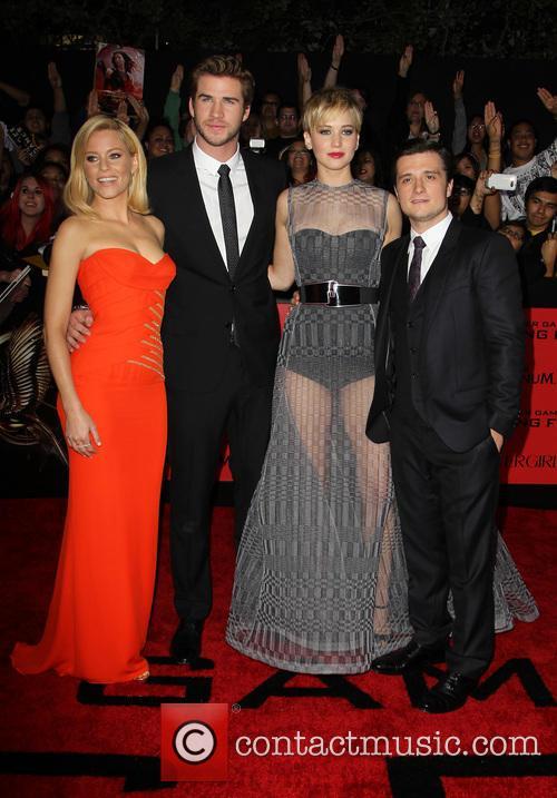 Elizabeth Banks, Liam Hemsworth, Jennifer Lawrence and Josh Hutcherson 14