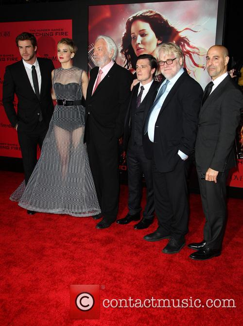 Liam Hemsworth, Jennifer Lawrence, Donald Sutherland, Josh Hutcherson, Philip Seymour Hoffman and Stanley Tucci 2