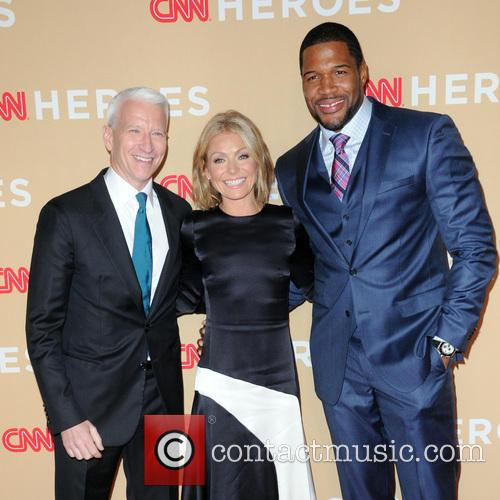 Anderson Cooper, Kelly Ripa and Michael Strahan 5