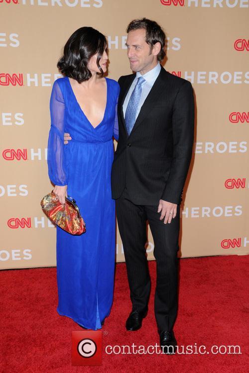 Jessica Ciencin Henriquez and Josh Lucas 1