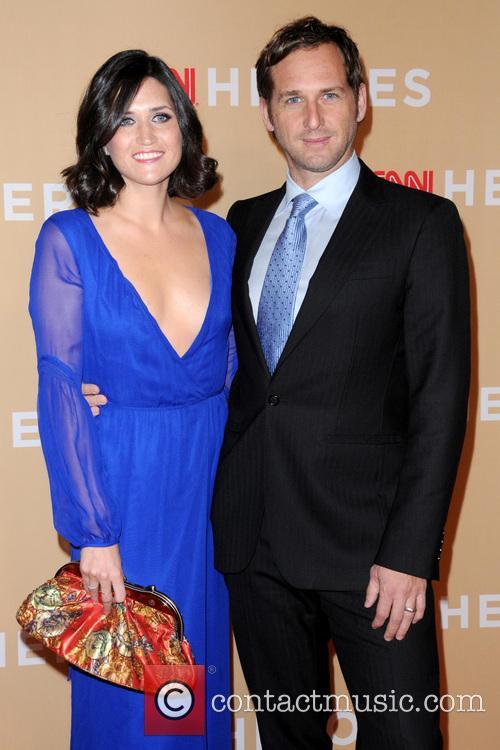 Jessica Ciencin Henriquez and Josh Lucas 3