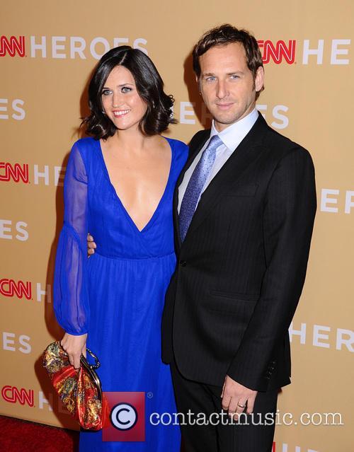 Jessica Ciencin Henriquez and Josh Lucas 5