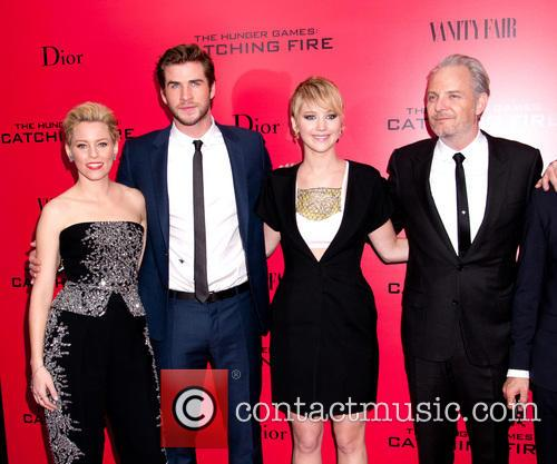 Elizabeth Banks, Liam Hemsworth, Jennifer Lawrence and Francis Lawrence 10