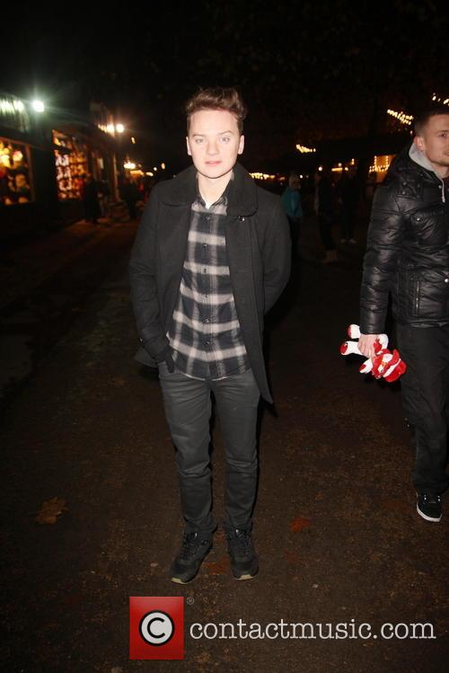 conor maynard conor maynard holds hands with 3965071