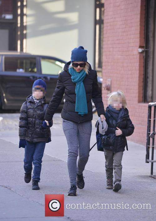 Naomi Watts, Samuel Schreiber and Alexander Schreiber 6