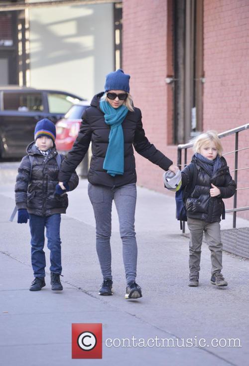 Naomi Watts, Samuel Schreiber and Alexander Schreiber 7