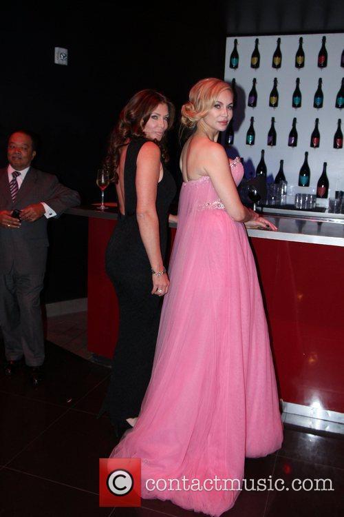 Christina Fulton and Kelly Lebrock 5