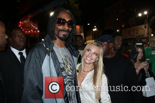 Snoop Lion, Snoop Dogg and Nikki Leigh 2