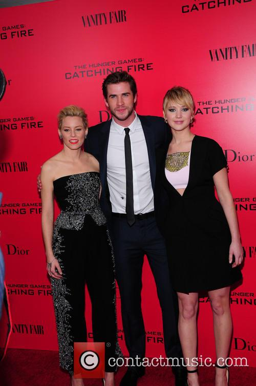 Elizabeth Banks, Liam Hensworth and Jennifer Lawrence 3