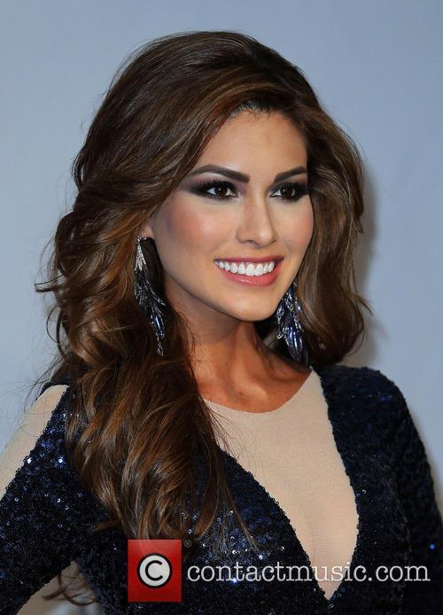 Latin Grammy Awards, Gabriela Isla and Miss Universe 5