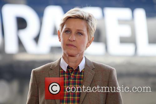 Ellen DeGeneres, Van Nuys Airport