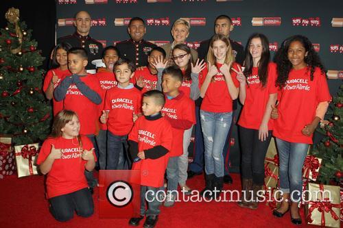 Sergeant Antonio Sanchez, Ellen Degeneres, Gunnery Sergeant Phillip Campo and Kids 2