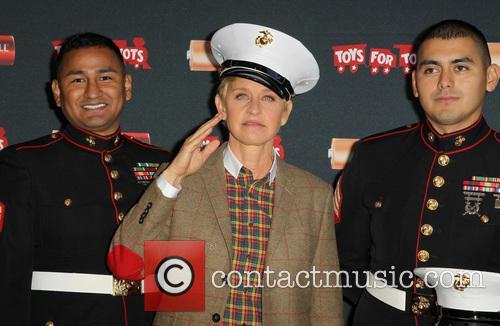Sergeant Antonio Sanchez, Ellen Degeneres and Gunnery Sergeant Phillip Campo 4