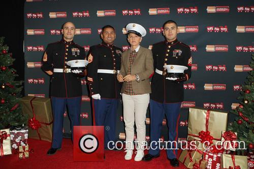 Staff Sergeant Victor Pozo, Sergeant Antonio Sanchez, Ellen DeGeneres and Gunnery Sergeant Phillip Campo 5