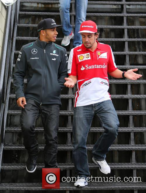 Fernando Alonso and Lewis Hamilton 5