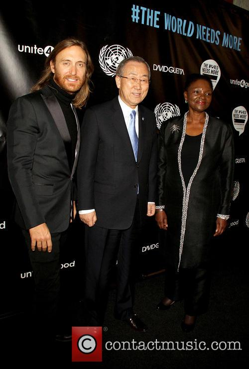 David Guetta, Ban Ki-moon and Valerie Amos 8