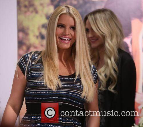 Jessica Simpson and Ashlee Simpson 1