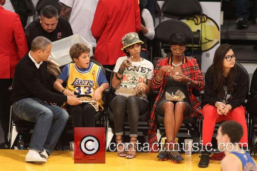 rihanna celebs at the lakers game 3967607
