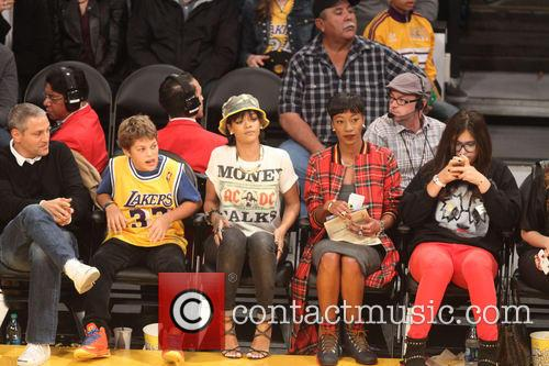 rihanna celebs at the lakers game 3967621