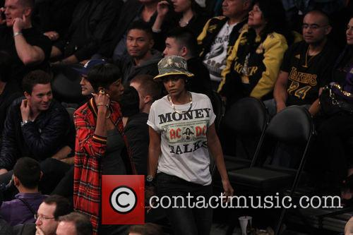 rihanna celebs at the lakers game 3967625