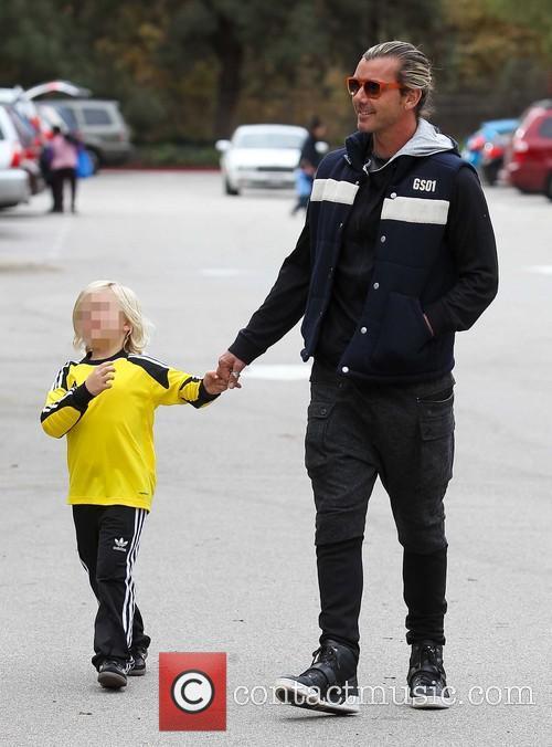 Pregnant Gwen Stefani and Gavin Rossdale take sons...