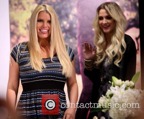 Jessica Simpson and Ashlee Simpson 2