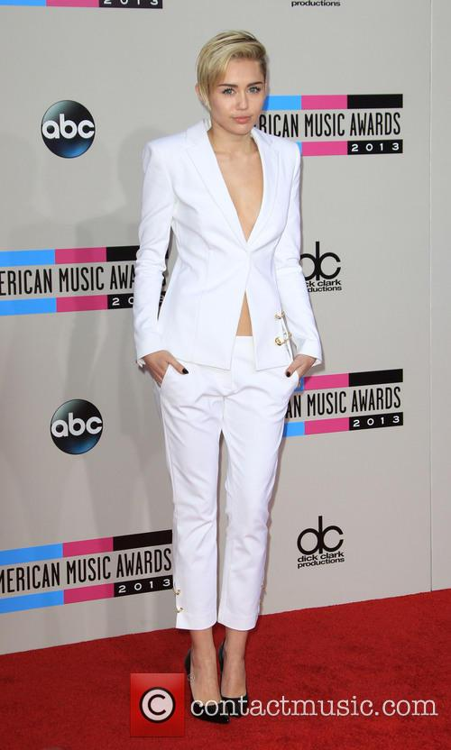 Miley Cyrus, Nokia Theatre L.A. Live!, American Music Awards