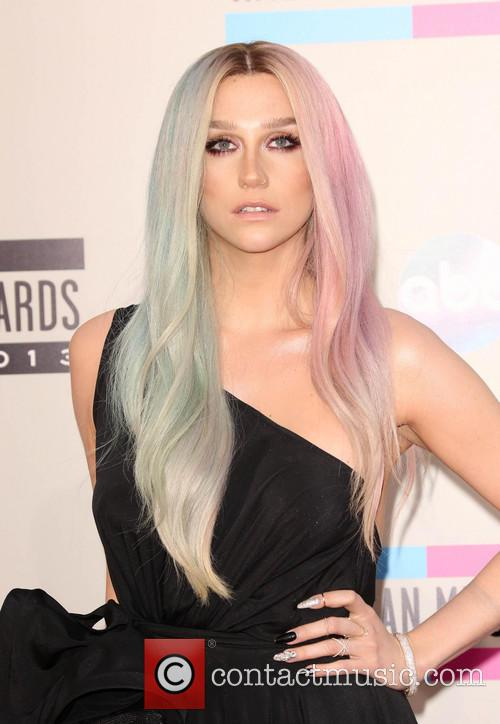Kesha, Nokia Theatre L.A. Live, American Music Awards