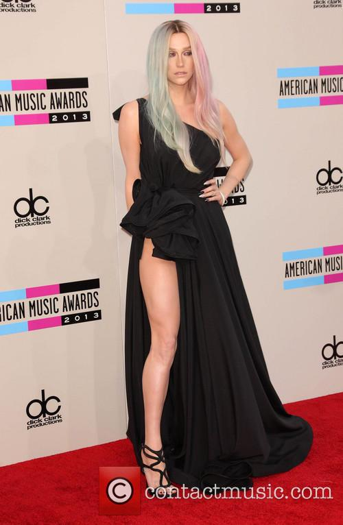 Kesha, American Music Awards