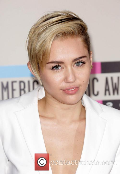 Miley Cyrus, Nokia Theatre L.A. Live, American Music Awards