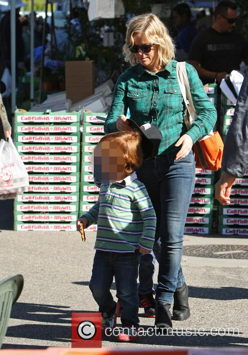 Amy Poehler and Archie Arnett 9