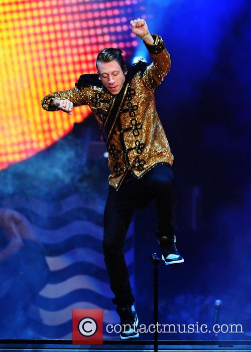 macklemore macklemore ryan lewis perform live at 3970719