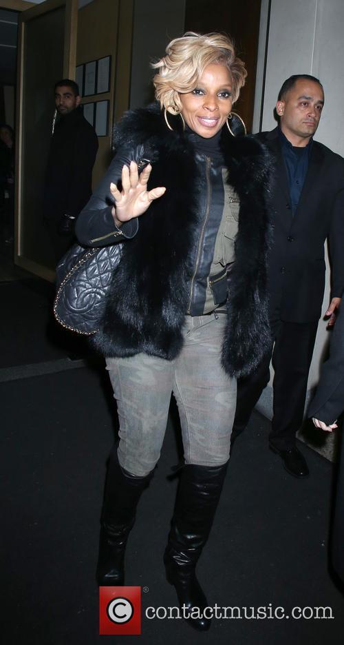 Mary J Blige at Nobu restaurant
