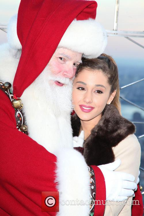 Santa Claus and Ariana Grande 1