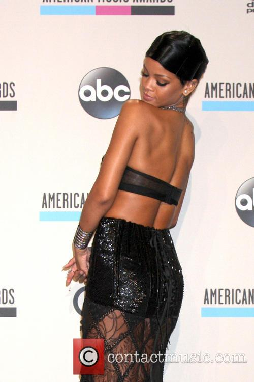 Rihanna 34