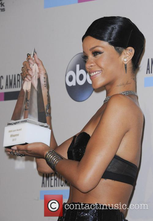 Rihanna, American Music Awards