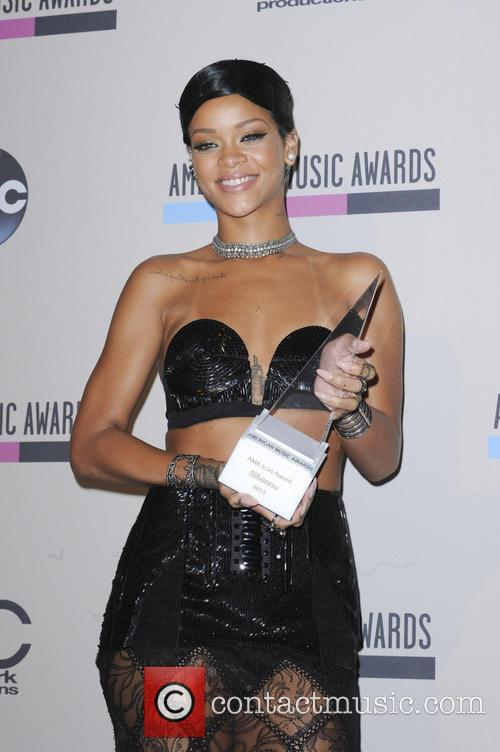 Rihanna AMA awards