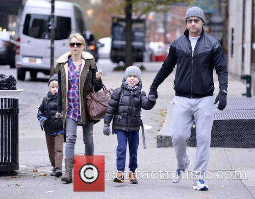 Naomi Watts, Liev Schreiber, Alexander Schreiber and Samuel Schreiber 3