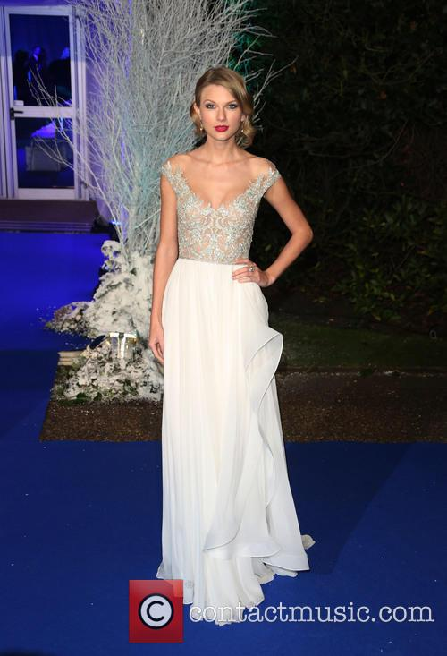 taylor swift winter whites gala dinner held 3971754
